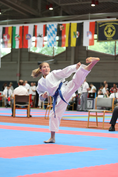 Jessie Naujoks von SKIP Karate-Dojo Bremen mit Yoko-Geri